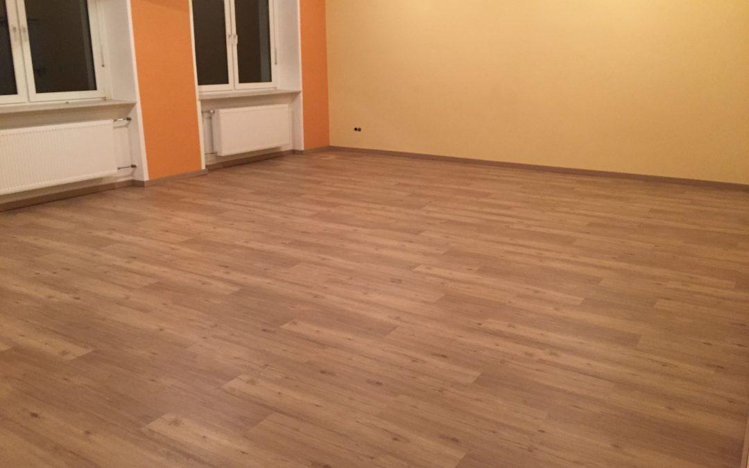 Neuer Boden im alten Klassenzimmer verlegt
